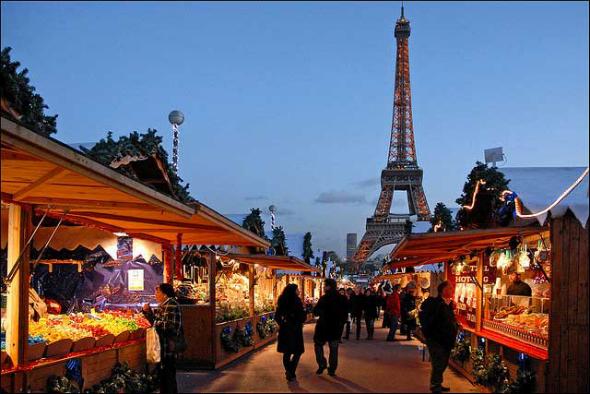Feira de Rua em Paris, livre circulação de pessoas