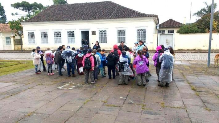 O Centro Histórico da Lapa foi palco do bivaque entre as mais de trinta crianças