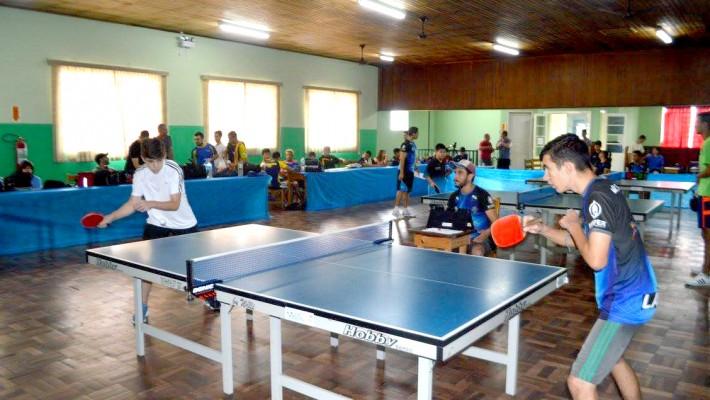 A competição abriu espaço para praticantes experientes e iniciantes, da Lapa e de outras cidades, nas categorias feminino e masculino.
