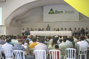 Mais de 400 cooperados estiveram presentes no evento.